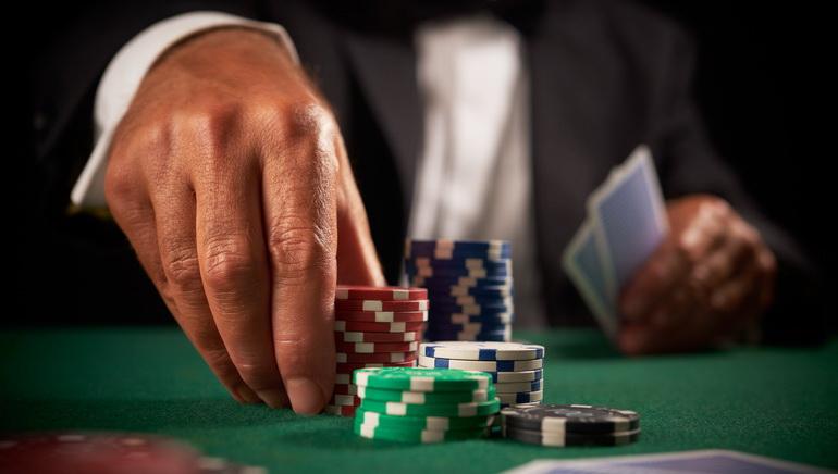 Ako sa stať pokerovým profesionálom
