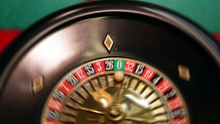 Zažite živých krupiérov v Royal Vegas Casino